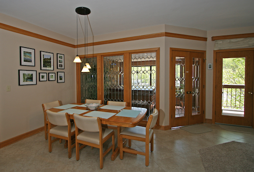 Knolls 927 Dining Room